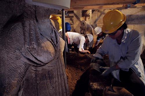 Amphipolis karyatid full